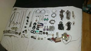 categorising jewellery, how to sort jewellery, how to organize jewellery, tips for organizing jewellery, jewellery storage solutions, Style Degree, Singapore, SG, StyleMag.