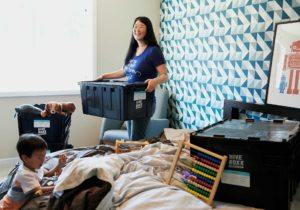 Declutter with someone, how to help someone declutter, decluttering tips for hoarders, how to help someone else declutter, Style Degree, Singapore, SG, StyleMag.