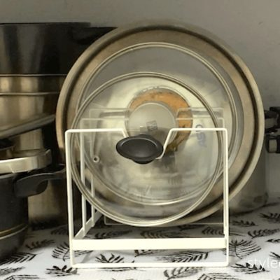File lids in lid holder, how to organize pot lids, pot lid organizer, pot lid hack, Style Degree, Singapore, SG, StyleMag.