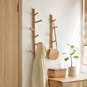 Woody Wall Hanging Clothes Stand